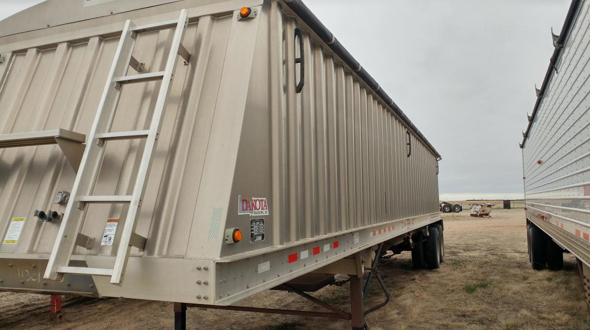 Young Farm & Trucking Retirement Auction – Pavlis Auction